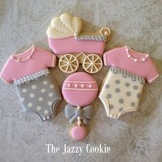Timeline Photos - The Jazzy Cookie Fancy Cookies, Iced Cookies, Cute Cookies, Cupcake Cookies, Sugar Cookies, Cupcakes, Galletas Decoradas Royal Icing, Galletas Decoradas Baby Shower, Baby Girl Cookies