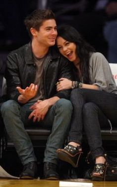 Who made Vanessa Hudgens's black shoes and jeans that she wore while watching Angeles Lakers vs. Charlotte Bobcats game with Zack Efron in Los Angeles, February 03, 2010? Shoes – Sam Edelman  Jeans – Nudie