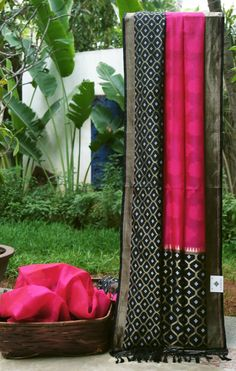 This pink Benares kora has thread work all over the sari. The complementing border and pallu are in black with gold and silver zari and a hint of red making it perfect for the upcoming festive seas...