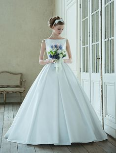 8 Tips For Picking The Perfect Wedding Dress Perfect Wedding Dress, White Wedding Dresses, Bridal Dresses, Wedding Gowns, Lovely Dresses, Ball Gowns, Bride, Karuizawa, Weddings