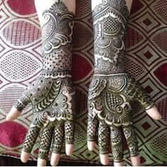 Unique and Attractive Black Henna Designs for hands - Get Mehndi DesignsMehndi Designs added a new photo.The most popular and unique Black Henna Designs for hands is present on this page. Indian Henna Designs, Floral Henna Designs, Latest Bridal Mehndi Designs, Full Hand Mehndi Designs, Henna Art Designs, Mehndi Designs 2018, Mehndi Designs For Girls, Wedding Mehndi Designs, Dulhan Mehndi Designs