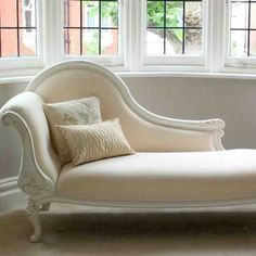 40 Elegant Chaise Lounges Ideas For Home is part of Chaise lounge sofa A chaise lounge, sometimes spelt as chaise longue, is the French term for a long chair If placed indoors, it […] - Modern Chaise Lounge Chairs, Chaise Chair, Bedroom Chair, Bedroom Furniture, Bedroom Decor, Furniture Chairs, Bedroom Ideas, Master Bedroom, Design Bedroom