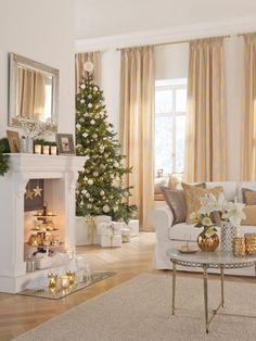 Most of the most popular bags do not meet a certain aesthetics this season. Pink Christmas, Christmas Home, Home Design Plans, Garden Furniture, Future House, Sweet Home, Home And Garden, House Design, Table Decorations