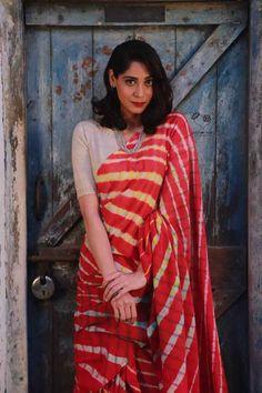 Lehriya Saree, Khadi Saree, Saree Poses, Bengali Saree, Lace Saree, Kerala Saree, Lehenga Blouse, Silk Sarees, Indian Ethnic Wear