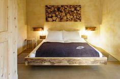 Die schönsten Berghotels für den Schweizer Bergsommer Bed & Breakfast, Das Hotel, Hotels, Places Ive Been, Loft, Luxury, Design, Furniture, Bergen