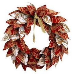 paper wreath using scraps of wrapping paper or scrapbook paper