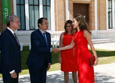 Su Majestad la Reina Letizia recibe el saludo del delegado de Gobierno de Andalucía, Antonio Sanz Cabello    Museo Ruso San Peterbusgo (Málaga), 24.07.2017