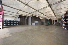 Unsere Lagerhallen sind auf die verschiedensten Produkte ausgerichtet.