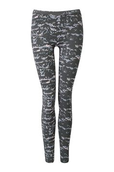 Easy Leggings in mimic print purple.