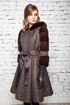 пальто с меховыми рукавами с поясом Fashion Forever, City Style, Winter Coat, Stylish Outfits, Coats For Women, Winter Fashion, Fur Coat, Fashion Dresses, Leather Jacket