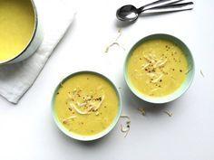 Zin in iets snels en gezond? Dan maak je soep! Dit super simpele soepje van kerrie en kokos is heerlijk als lunch met een broodje of als voorgerechtje. Dit heb je nodig (3 a 4 personen) 750 liter groentebouillon 250 ml kokosmelk 2 uien 2 teentjes knoflook 3 el kerrie 1 cm verse gember 1 …