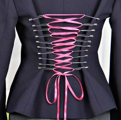 For when I have nothing to wear to a concert.  Safety Pin Corset #fashion #upcycle #Blazer
