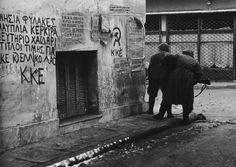 Anche se la Grecia non è nuova a manifestazioni di piazza a volte violente, i disordini attuali hanno proporzioni che non si vedevano dalla dittatura militare degli anni '70. Nella foto, la Rivolta del Politecnico (1973), che finì nel sangue ma contribuì in modo decisivo alla fine del regime dei colonnelli.