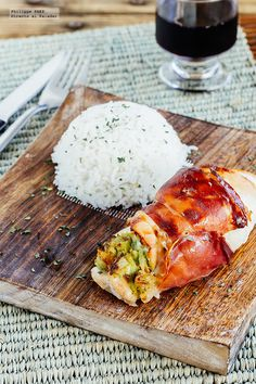 Receta de Pechugas rellenas de guacamole. Receta con fotografías del paso a paso y recomendaciones de degustación. Recetas de pollo y aves. Recet...