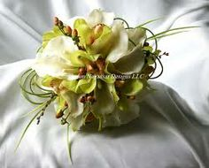 Google Image Result for http://www.sharonnagassardesigns.com/Green-Cymbidium-Orchids-White-callas/Green-White-Calla-Orchid-Bridal-side/Green...