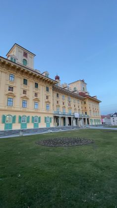 Culture Day, Cultural Center, Castle, Mansions, History, House Styles, Research Centre, Places, Historia