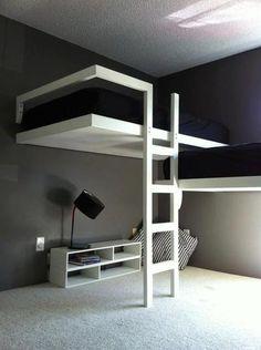 Ipv hoogslaper een halfhoogslaper zodat een tiener er ook nog in kan slapen. Bodem is massief, dit veranderen. Ventilatie ruimte erin verwerken zodat het matras niet kan verspochten. Ook een lattenbodem erin verwerken. Kleine lampjes in de onderzijde van het bed voor indirecte verlichting.