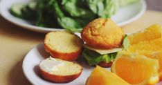 Blog o gotowaniu, kulinariach, podróżach i ogólnie pojętym lifestyle'u. Salmon Burgers, Muffin, Gluten Free, Eggs, Cooking, Breakfast, Ethnic Recipes, Food, Glutenfree