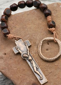 Irish Penal Rosary: Horn with Modern Crucifix - Atelier-Beads