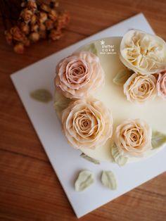 Done by me  www.better-cakes.com  Inquiry : bettercakes@naver.com  - 베러케이크 / Better Cake - Butter Cream Flower Cake & Class  Seoul, Korea based http://www.better-cakes.com Instagram : @better_cake_2015 Mail : bettercakes@naver.com Line : better_cake Facebook : Sumin Lee  #buttercream#cake#베이킹#baking#koreanfood#Bettercake#버터크림케이크#flowercake#yummy#flowers#생일케익#sweet#베러케익#foodporn#birthday#수제케익#디저트#플라워케익#dessert#버터크림플라워케익#follow4follow…