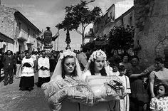 Henri Cartier-Bresson, Pisticci, Processione di San Rocco, 1973