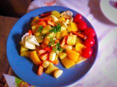 Pečené brambory se zeleninou Fruit Salad, Food, Fruit Salads, Essen, Meals, Yemek, Eten