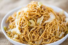 Panda Express Chow Mein CopyCat Recipe Ingredients 2 packages of dry Yakisoba Noodles (cooked without spice packets and drained) 3 tablespoons oil yellow onion , sliced 8 oz cabbage , sliced 2 oz. Cooking Chinese Food, Asian Cooking, Panda Express Mushroom Chicken, Panda Express Chow Mein, Chinese Chow Mein, Panda Express Recipes, Asian Recipes, Ethnic Recipes, Sauces