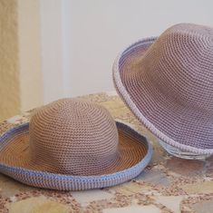 Apeau been. One child, Crochet Patron, Hat Tutorial, Cotton Hat, Mother And Child, Boss, Couture, Trending Outfits, Children, Pattern