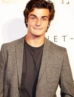 Marry me? Beau Mirchoff, Character Inspiration, Suit Jacket, Breast, Blazer, Pretty, Men, Film, Fashion