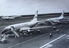 Avianca Boeing 737-159 HK-1403X at SKBQ in 1970 © Álvaro Pérez Aviation Industry, World Pictures, Air Force Ones, Spacecraft, Airplane, Engine, Aircraft, Military, Future
