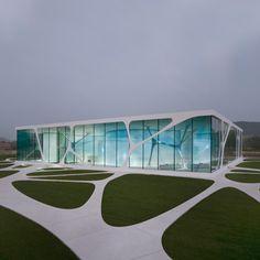 Leonardo Glass Cube by 3Deluxe
