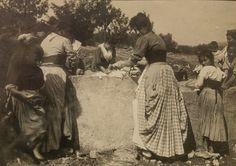 Washing clothes (lavandaie)