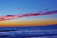 Spectacular sunset over the Pacific Ocean, Califor - Spectacular sunset over the Pacific Ocean, California
