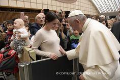 Gli auguri di Papa Francesco agli italiani, alla curia e ai collaboratori