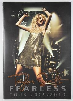 Officially Licensed Taylor Swift Fearless Concert Tour Program Book 2009 / 2010