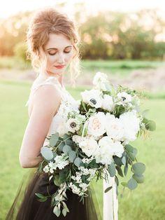 Prairie Wedding Inspiration   Esther Funk Photography   Joy Wed   http://www.joy-wed.com