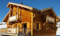 Chalet Ariane 2 - sleeps up to 12, ski in/ski out and has a sauna and jaccuzi!