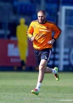 Entrenamiento | Karim Benzema pic.twitter.com/0grTPjfIUx