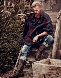 """The look every man wants to exude. 'Forest Hunk' by Diego Merino & Damian Foxe for How To Spend It."" Couldn't remove the original caption. Men's Grooming, Old School Style, Estilo Hipster, Hipster Man, Hipster Grunge, Lumberjack Style, Viking Men, Hunks Men, Man Of The House"