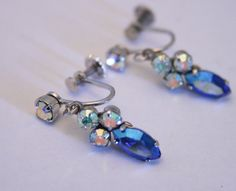 Vintage screw back earrings. Blue and by chicvintageboutique, $18.00