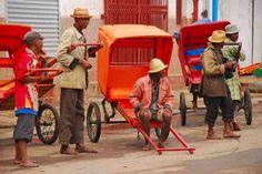 Viaje a Madagascar Tarannà - Pousse pousse en Antsirabé