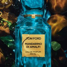 Effervescent. Textured. Luminous. Mandarino Di Amalfi captures the calm idyll of the whitewashed villas dotting the cliffsides of Amalfi. #TOMFORD #PRIVATEBLEND #MANDARINODIAMALFI