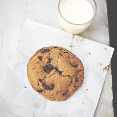 Violet Bakery's egg yolk chocolate chip cookies | Chatelaine