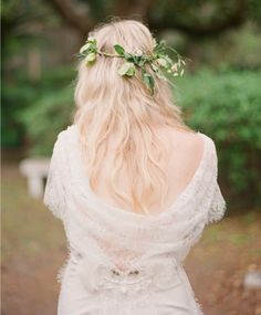 Simple green floral crown #green #floralcrown #leafy