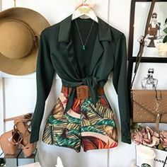 Swans Style is the top online fashion store for women. Shop sexy club dresses, jeans, shoes, bodysuits, skirts and more. Summer Shorts Outfits, Short Outfits, Fall Outfits, Floral Pants Outfit, Denim Outfit, Cute Fashion, Fashion Outfits, Simple Street Style, Types Of Jeans