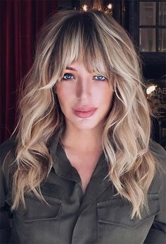 wedding hairstyles with bangs Cute Haircuts With Bangs and Layers 2020 Easy Updos For Long Hair, Long Hair With Bangs, Long Hair Cuts, Cute Haircuts, Haircuts With Bangs, Hairstyles Haircuts, Celebrity Hairstyles, Medium Hair Cuts, Medium Hair Styles
