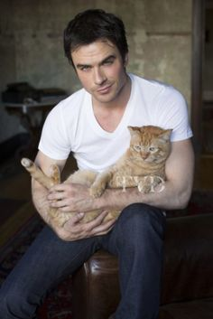 Ian Somerhalder: What Fans Should Know About The Vampire Diaries Star - Celebrities Female The Vampire Diaries, Vampire Dairies, Vampire Diaries The Originals, Damon Salvatore, I Love Cats, Cool Cats, Celebrities With Cats, Men With Cats, Ian Somerhalder Vampire Diaries