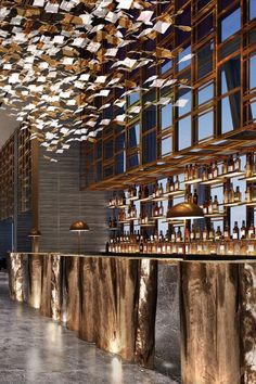 restaurant arquitectura Guarantee you have access to the best lighting pieces for your bar project - What kind of lamp do you need Bar Interior Design, Restaurant Interior Design, Cafe Design, Design Design, Luxury Bar, Luxury Hotels, Top Hotels, Led Profil, Restaurant Hotel