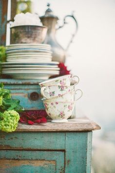 njfdhsjfhlalhfhjl I'm obsessed with quirky-cute teacups, and that dresser has literally been in my mind for years now