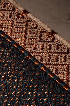 Handwoven Daú Weave rug in fique fiber and copper threads.  #MetalRug #FiberRug #Rugs #Handmade #Handwoven Cool Rugs, Woven Rug, Animal Print Rug, Weave, Hand Weaving, Fiber, Copper, Handmade Rugs, Metal